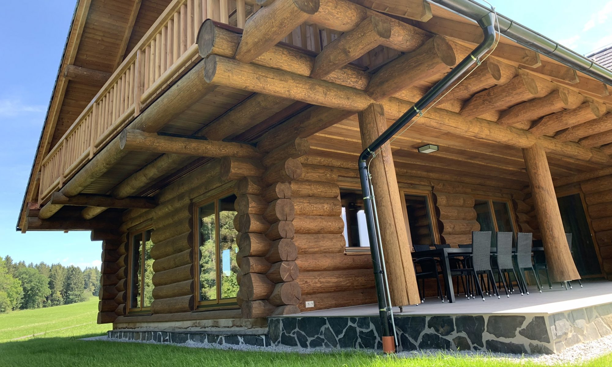 Luxury accommodation in a Canadian log cabin