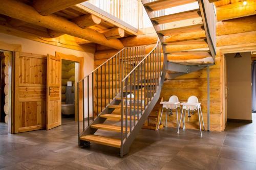 Srub schodiště - Backstairs